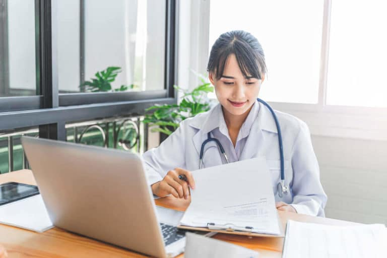physician contract lawyer 1 768x512