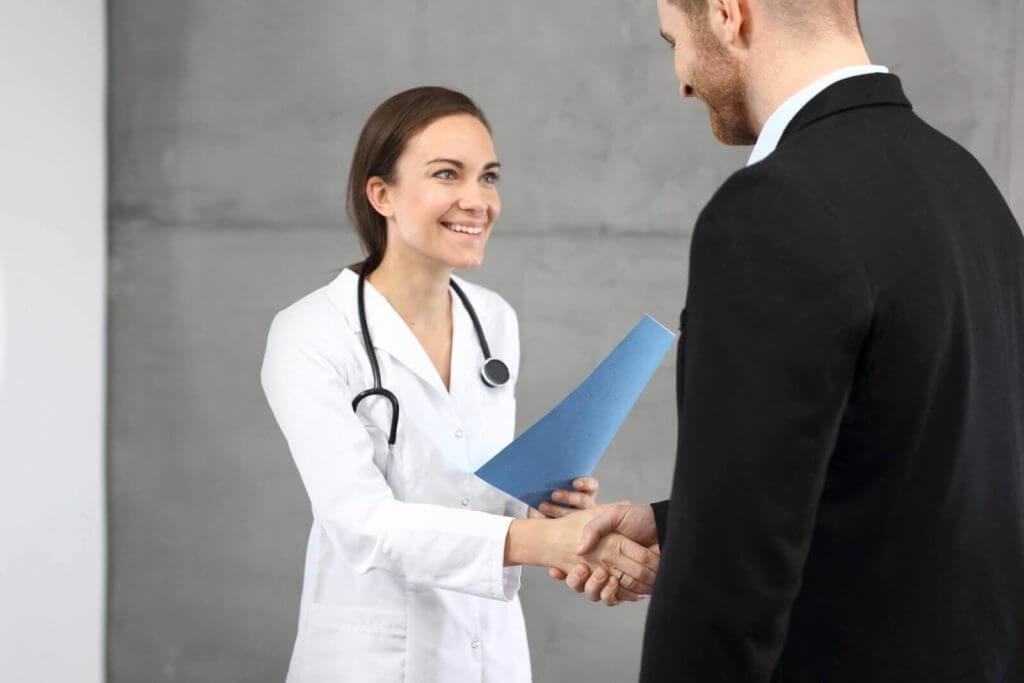 medical director recruiting 1024x683